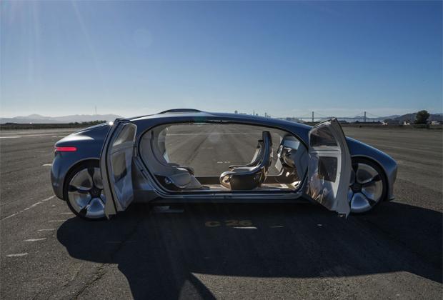 Mercedes Veut Lancer Un Service De Limousine Sans Conducteur