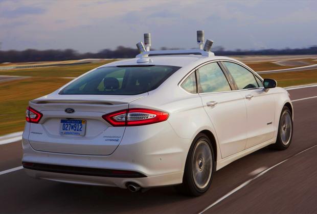Ford teste sa voiture sans chauffeur dans une ville fantôme